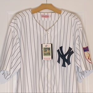 Mickey Mantel Jersey - Cooperstown Authentic Coll
